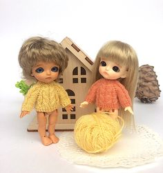 Peach or lemon? What are you prefer? #minibjdclothes #dollsweater #dollclothes