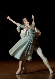 Florian Magnenet and Isabelle Ciaravola in Manon.  Photo (c) Anne Deniau.