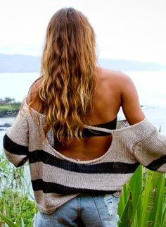 Slouchy, backless sweater with a bandeau and cutoffs to celebrate the last few weeks of summer.looks comfy Look Fashion, Fashion Beauty, Womens Fashion, Beach Fashion, Teen Fashion, Looks Style, Style Me, Cali Style, Surf Style