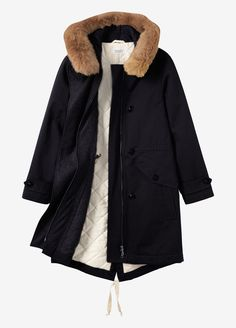 Warm parka in closely woven, water resistant cotton. Quilted cotton inside with…
