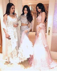 Sridevi with her beautiful daughters Jhanvi Kapoor and Khushi Kapoor.  #Sridevi #JhanviKapoor #KhushiKapoor #SrideviKapoor #celebrity #bollywood #bollywoodactress