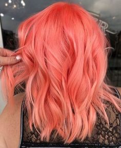 Bright peach pink or Scarlet pink or strawberry pink hair color idea for wavy sh.-- Bright peach pink or Scarlet pink or strawberry pink hair color idea for wavy short hair. Just don& know the right name :) Bright Hair Colors, Hair Color Purple, Color Red, Purple Streaks, Pastel Orange Hair, Purple Teal, Pink Peach Hair, Orange Pink, Teal Hair