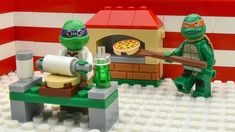 Ninja Turtles lego building pizza house. Afte this tmnt mikey make design of pizza house.  Than Donnie come to cafe. After this we see first buyer spiderman. Ninja Turtles Mikey make Pizza and sell it. Batman buy french fries. Than Donnie drive pizza to Avengers.  #TMNT #pizza #ninja_turtles Lego Hulk, Lego Spiderman, Lego Ninja Turtles, Teenage Mutant Ninja Turtles, Tmnt Mikey, Lego Iron Man, Pizza House, Lego For Kids, Star Wars Party