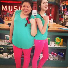 Laura and Raini on twin day on set!