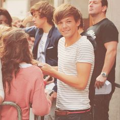 ahihihi Louis Tomlinson! # One Direction