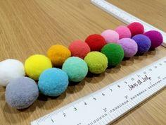 Bolas de colores para embellecer tus coronas de aniversario o proyectos infantiles