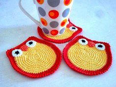 Tecendo Artes em Crochet No Pattern Crochet Kitchen, Crochet Home, Crochet Gifts, Diy Crochet, Crochet Coaster Pattern, Crochet Motif, Crochet Doilies, Crochet Patterns, Crochet Placemats