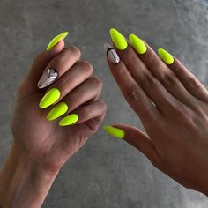 70 Stylish Bright Neon Nails Ideas - Page 54 of 71 - Nail Art & Nail Designs Ideas Neon Yellow Nails, Neon Nails, Diy Nails, Nail Art Diy, Cute Nails, Pretty Nails, Short Nail Designs, Nail Art Designs, Almond Acrylic Nails