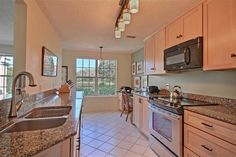 8745 Lakeside Blvd Vero Beach Florida 32963 Inium For S Listed By Frances Smyrk Bright And Open Kitchen With Granite Countertops Stainless