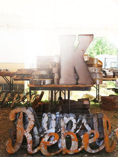 Shop the World's Largest Flea Market - With over 20 show fields and hundreds of exhibitors' booths, locating and purchasing merchandise that you're hunting for can be overwhelming. Learn 7 tips for successful bargain shopping at the Brimfield Flea Markets!