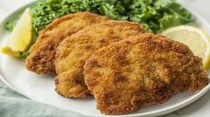 Traditional Wiener Schnitzel or Viennese Cutlet Recipe Wiener schnitzel means Viennese cutlet in German. It's made with breaded and fried veal, chicken, or pork cutlets served with fresh lemon juice. Schnitzel Recipes, Veal Recipes, Cutlets Recipes, Cooking Recipes, Chicken Recipes, Wiener Schnitzel, Veal Schnitzel, German Schnitzel, Chicken Schnitzel