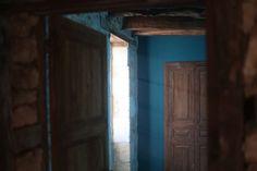 Chambres - Dordogne - Maison en pierre - Bois - Peinture bleu - Bleu nuit - Bonne nuit - Bleu pétrole - Bleu haute mer - Blue - Room - Stone house - Wood