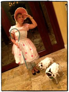 I need to do this for Halloween with my dogs @Lauren Davison Davison Beard we should walk around my neighborhood with roxy savanna emma and charlie