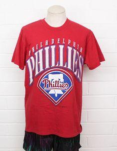 Vintage Philadelphia Phillies MLB Baseball Large Logo Red Men s Large Hank  Aaron T-shirt 941ea69fa
