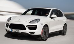 2013 Porsche Cayenne Turbo S shows up with 550 horsepower