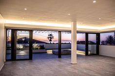 One of our favourite design trends is the seamless flow of flooring from interior to exterior.  Thor Construction installed Stratus Original in the interior and exterior of this magnificent Fresnaye home to suit the trend.