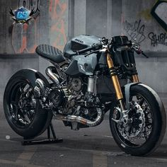 Rate this one from 1 to 10 Ducati Panigale 1299 :. - Ride and Roll - Motorrad Ducati Cafe Racer, Gs 500 Cafe Racer, Custom Cafe Racer, Cafe Bike, Cafe Racer Bikes, Cafe Racer Motorcycle, Moto Bike, Cafe Racers, Buell Cafe Racer