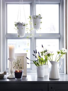 white planters hanging in the kitchen windows& like this. The post IKEA SKURAR Off-White Indoor/outdoor, Off-White Plant pot appeared first on Dekoration. Window Sill Decor, Kitchen Window Sill, Kitchen Windows, Window Ideas, Indoor Plant Pots, Potted Plants, Indoor Garden, Ikea Skurar, Sweet Home