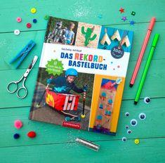 Bücher von Katja Enseling / Recyclingbasteln für Kinder 1950s Christmas, Pink Christmas, Vintage Christmas, Christmas Trees, Cardboard Toys, Bottle Brush Trees, Cool Diy, Diy For Kids, Illustrator