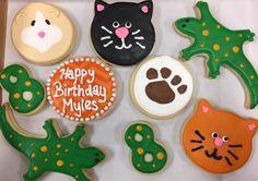 Animal Birthday Royal Icing Sugar Cookies by @cookiesbykatewi #lizards #guineapigs #pawprint