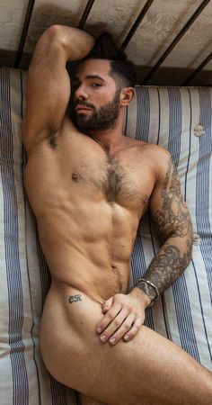 Follow Hunk'o'pedia for more hot guys! | Follow my personal blog!