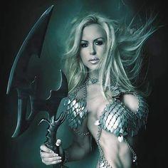 Dragons Chain™ - cool fashionstyle in metal Goddess Warrior, Warrior Girl, Fantasy Women, Dark Fantasy Art, Mermaid Zombie, Wonder Woman, Cosplay, Superhero, Cool Stuff