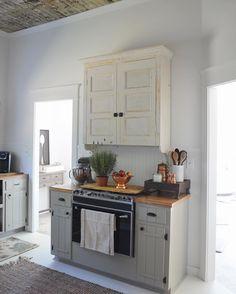 Farmhouse Kitchen | Little White House Blog