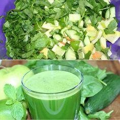Forfriskende grøn juice spækfyldt med gode vitaminer fra spinat, æbler, mynte og agurk.