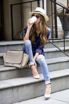 Как се носят скъсани джинси?