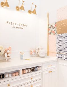Sugar Paper Opens New Stationery Store In Newport Beach - Luxe Interiors + Design Flower Shop Decor, Flower Shop Design, Flower Shop Interiors, Store Interiors, Gift Shop Interiors, Stationary Shop, Stationery Store, Korean Stationery, Boutique Decor