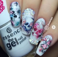 - will ich haben - halloween nails Bling Nails, Goth Nails, Diy Nails, Fabulous Nails, Gorgeous Nails, Pretty Nails, Skull Nail Art, Sugar Skull Nails, Manicure Natural