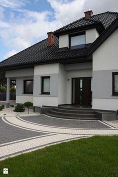 Flat House Design, House Arch Design, House Outside Design, Door Gate Design, Bungalow House Design, Entrance Design, House Entrance, Classic House Exterior, House Paint Exterior