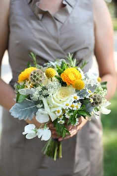 gray, white, and yellow #bouquet | Charlotte Elizabeth Photography #wedding