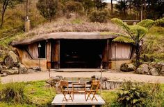 This incredible off-the-grid hobbit hole is straight out of middle earth.