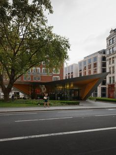 © invisiblegentleman.com | london information centre | make architects