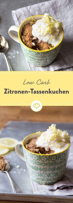 Nachmittags ist Zeit für Zitronenkuchen! Diese Low Carb Variante kommt warm dampfend aus der Tasse und ist ideal zum Löffeln für eine Person.