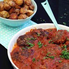 Älgfärsbiffar med mozzarella i tomatsås