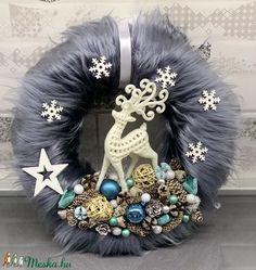 Diy Wreath, Wreaths, Xmas Decorations, Winter Christmas, Diy And Crafts, Halloween, Home Decor, Christmas Wreaths, Crown