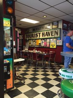 Hamel, IL - WEEZY'S | This place is an authentic portrayal of what proper Midwestern fare once was. 108 Old US Rte 66, Hamel, IL