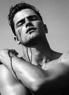 –Leading model Sean O'Pry spends some time with photographer James Houston for a striking photo series, focused on Sean's intriguing angles and… Sean O'pry, Bo Develius, American Male Models, The Fashionisto, Fashion Tape, Men's Fashion, Beauty Book, Beauty Shots, Down South