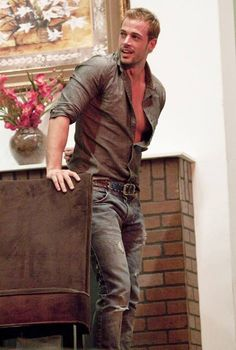 """William Levy is hot, in fact he was voted the """"Sexiest Man Alive"""" by People en Español in Today the Cuban actor is celebrating 33 years grac. William Levi, Toms Style, Famous Men, Christian Grey, Male Beauty, Jeans Fit, Cute Guys, Sexy Men, Hot Men"""