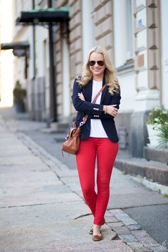 Jonnamaista: Outfit with Red Pants