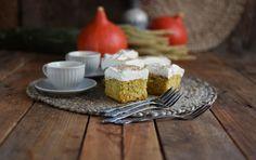 Kürbiskuchen: Fluffiger Herbstkuchen vom Blech