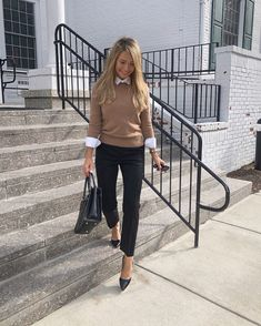Wearing pants 4 days in a row? 🤷🏼♀️ You can find all outfit details linked in my LIKEtoKNOW. Business Outfit Frau, Business Casual Outfits For Work, Business Outfits Women, Stylish Work Outfits, Fall Outfits For Work, Professional Work Outfits, Fall Business Casual, Fall Office Outfits, Business Attire