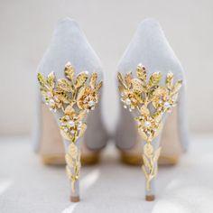 De vrais escarpins de princesse ! Fancy Shoes, Pretty Shoes, Beautiful Shoes, Cute Shoes, Me Too Shoes, Beautiful Dream, Formal Shoes, Casual Shoes, Prom Heels