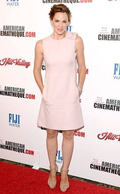 Jennifer Garner attends the American Cinematheque Award honoring Reese Witherspoon at the Hyatt Regency Century Plaza on October 2015 in Los Angeles, California. Jennifer Garner Style, Jen Garner, Valentino Gowns, Ladies Lunch, Ralph And Russo, Diane Kruger, Dresses For Work, Summer Dresses, Vogue Fashion