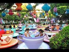 Mad Tea Party - Spinning Teacup Ride