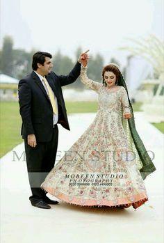 Pakistani Bridal Couture, Pakistani Girl, Pakistani Outfits, Women's Ethnic Fashion, Indian Fashion, Indian Wedding Outfits, Indian Outfits, Indian Weddings, Dulhan Dress