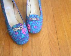 60s PAPPAGALLO Fabric Heels....size 8 1/2 women....heels. pumps. shoes. fancy. classic. mod. retro. glam. swirl
