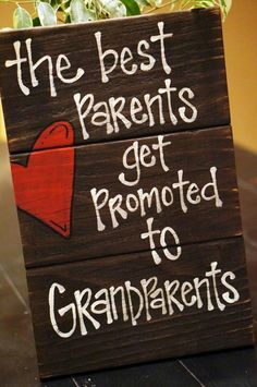 The best parents get promoted to grandparents reclaimed wood sign - Cute pregnancy announcement - Schwanger Baby Kind, Baby Love, Baby Baby, Baby Momma, Baby Birth, Grands Parents, Grandchildren, Grandkids, Granddaughters
